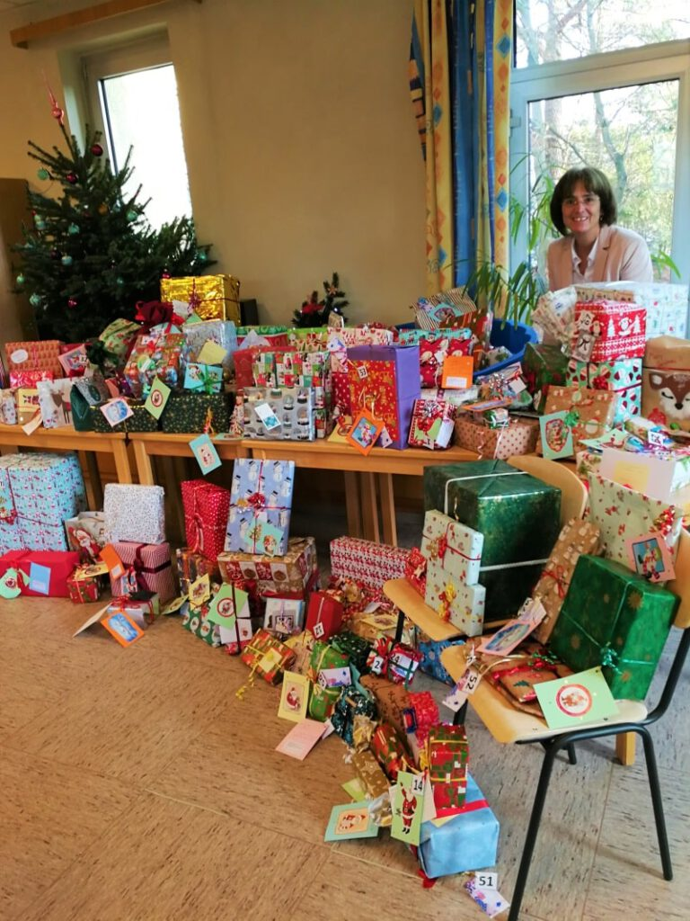Übergabe der Geschenke